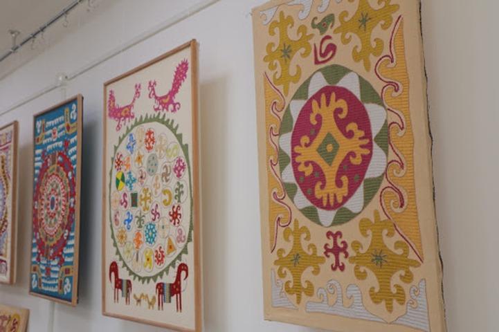 В Музее Востока провели онлайн-лекцию о кайтагской вышивке