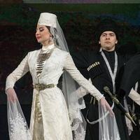 Не Хабиб: Кавказские женщины публикуют фотографии в папахах после высказывания Нурмагомедова