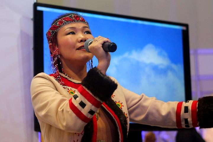 Фестиваль национальных литератур открылся в Москве юкагирскими и чукотскими песнями