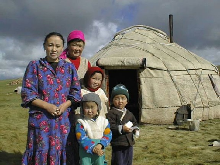 Эксперты: Полиция должна защищать киргизок от киргизов