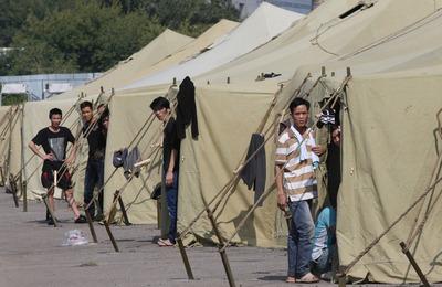 Правозащитники назвали условия в лагере для мигрантов неудовлетворительными