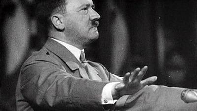Петербургские депутаты требуют наказать политолога Миграняна за восхваление Гитлера