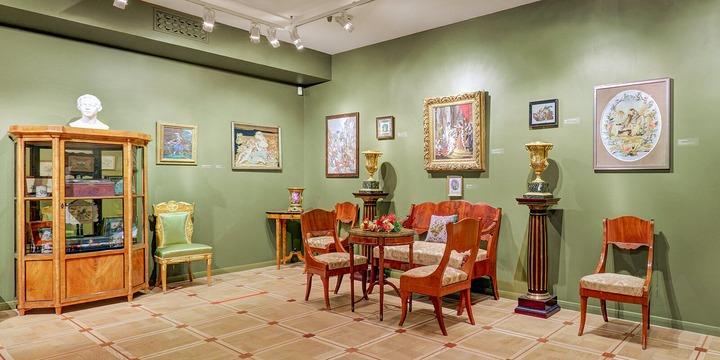 Онлайн-выставку вышивки XIX века представили в Москве