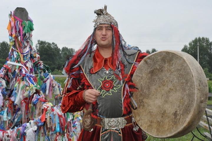 На хакасском празднике урожая показали самое большое генеалогическое дерево
