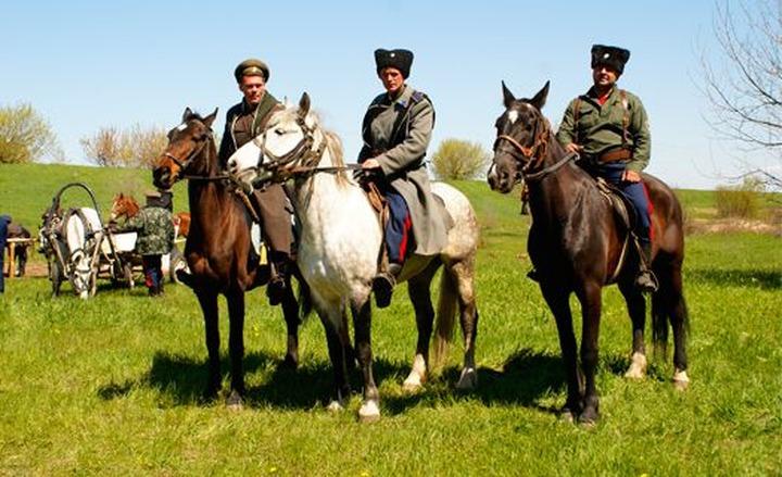 Казаки юга России собрались в конный поход на Крым