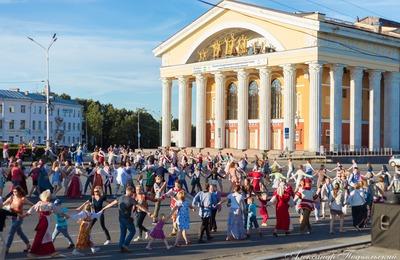 """Массовый карельский танец """"крууга"""" исполнят в Петрозаводске в День коренных народов"""