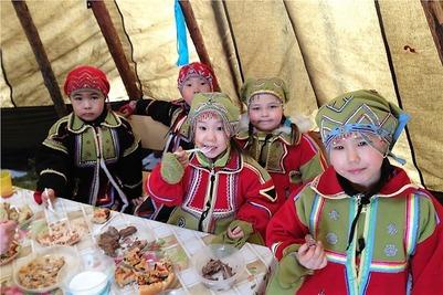 В Тянской школе написали тотальный диктант по эвенкийскому
