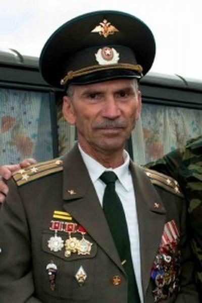 Сослуживцы экс-полковника Хабарова провели в Кремле акцию в его защиту