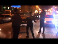 Участники автопробега в поддержку Путина танцуют лезгинку