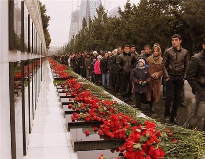 """Азербайджанцы Истры вспомнили жертв """"черного января"""""""