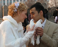 Межнациональные браки москвичей обсудят в Москве