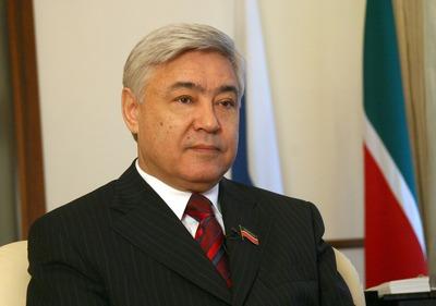 Спикер госсовета Татарстана предложил отменить добровольное изучение татарского языка в школах