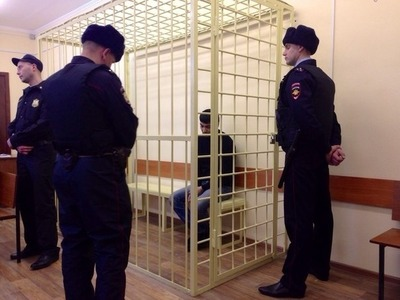 Представитель цыганской общины Омска  извинился перед отцом убитого боксера
