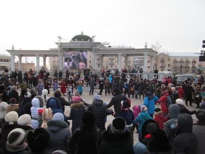 Буряты отметили Новый год всемирным ёхор-флешмобом