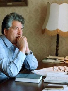 Памятник писателю Чингизу Айтматову установят в Москве