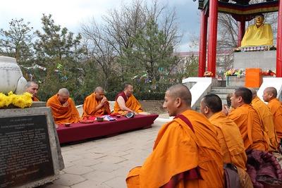 Суд Элисты перенес заседание по делу осквернившего статую Будды борца