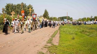 В Алтайском крае вопреки рекомендации Роспотребнадзора верующие отправились в крестный ход