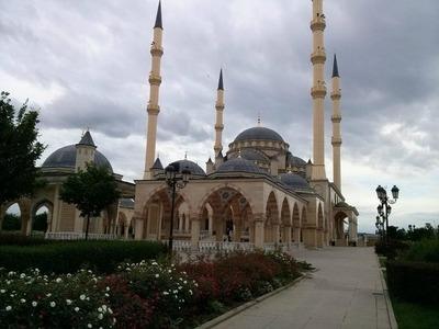 В Чечне возобновят пятничные молитвы