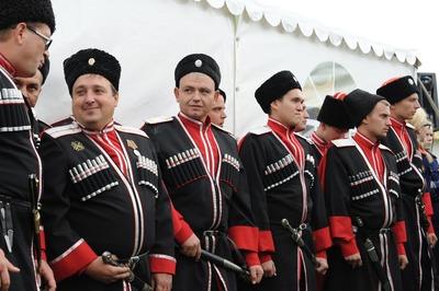 Вернувшихся из Москвы казаков отправили на карантин в Анапу