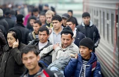 С мая киргизских мигрантов  приравняют в трудовых отношениях к гражданам России