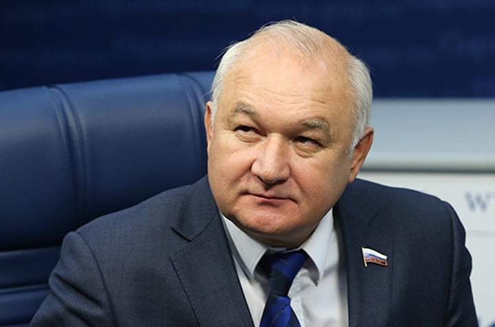 Гильмутдинов призвал законодательно поддержать родные языки народов России