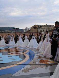 Массовая многонациональная свадьба в Дербенте попала в Книгу рекордов Гиннесса
