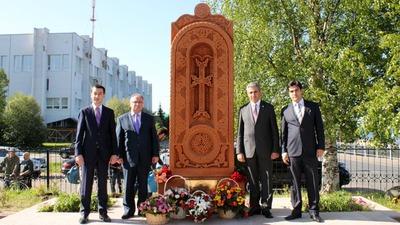 В Архангельске открыли памятник российско-армянской дружбе
