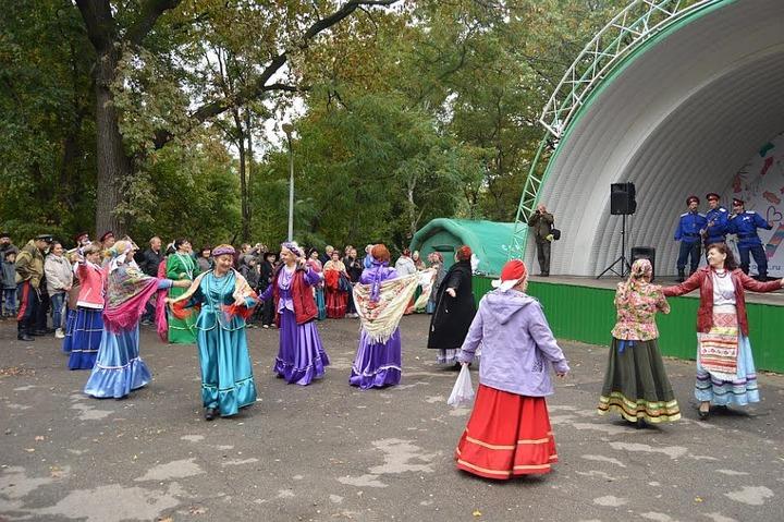 """Фестиваль """"Казачьи кренделя"""" прошел в Саратове"""