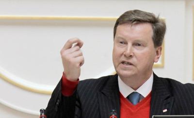 Депутат Госдумы предложил обсудить закон о гражданстве на народных слушаниях