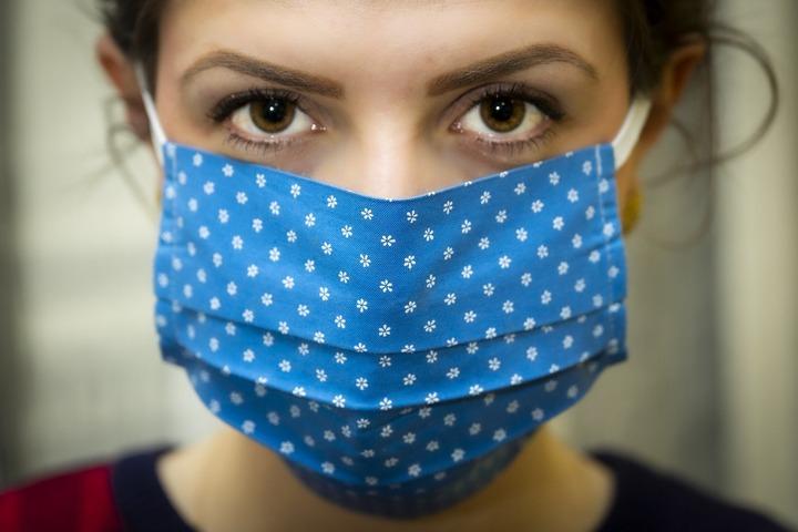 Мигрантов в России бесплатно лечат от коронавируса
