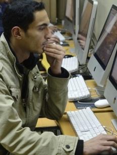 Экзамен для желающих остаться в России мигрантов усложнят