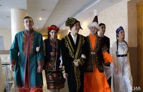 """В Якутии открылся форум """"Национальное многообразие - единство России"""""""