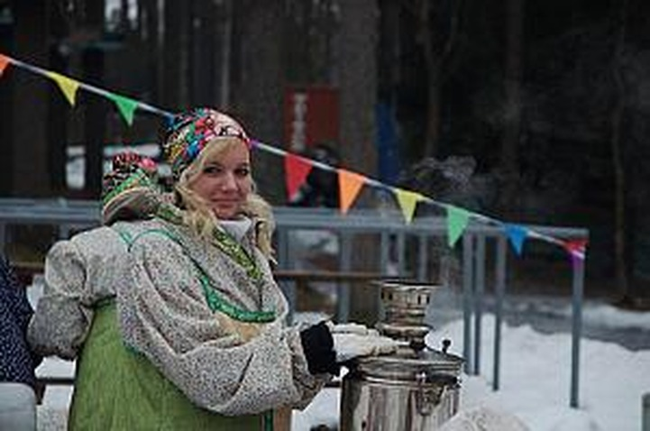Жители Петербурга отпразднуют Масленицу не отходя от кассы