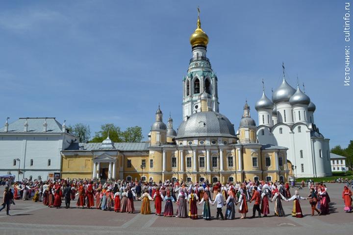 На празднике русских традиций встретились лучшие фольклорные коллективы