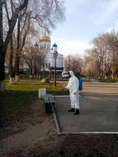 Казаки Ростовской области дезинфицируют городские улицы
