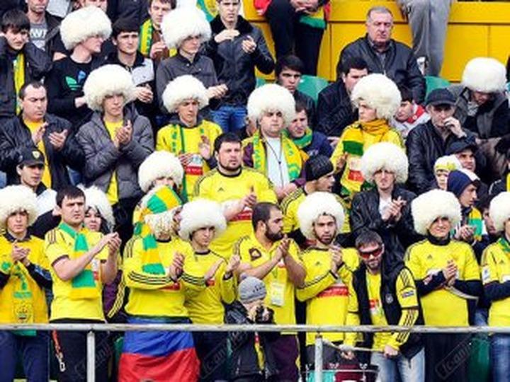 Ростовские болельщики отказались от поездок в Дагестан после того, как их забросали камнями