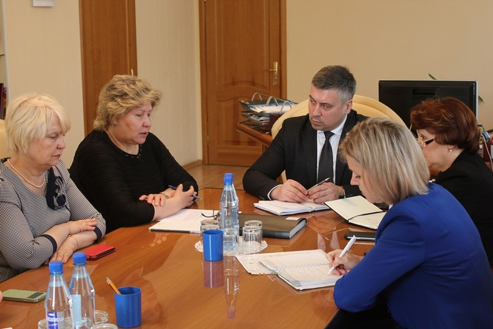Рособрнадзор проверит качество преподавания русского языка в 21 регионе