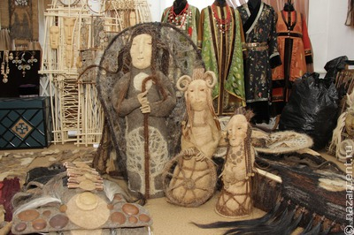 Сувениры из коровьего рога и дикоросы представили на торговой площадке в Улан-Удэ