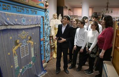 Фотографии быта горских евреев прошлого века представили на выставке в Москве