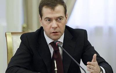 Медведев: Не надо гнать националистическую волну