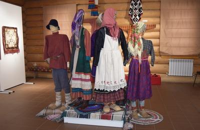 Рубахи и лапти начала XX века покажут на выставке в Удмуртии