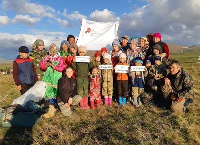 Оленеводы Ямала очистили  тундру от мусора для помощи оленям