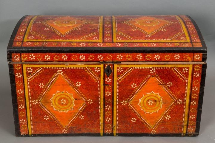 Крестьянские расписные сундуки представят на выставке в Москве