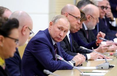 Путин: для многоконфессиональной и многонациональной России парламентская республика стала бы серьезным испытанием