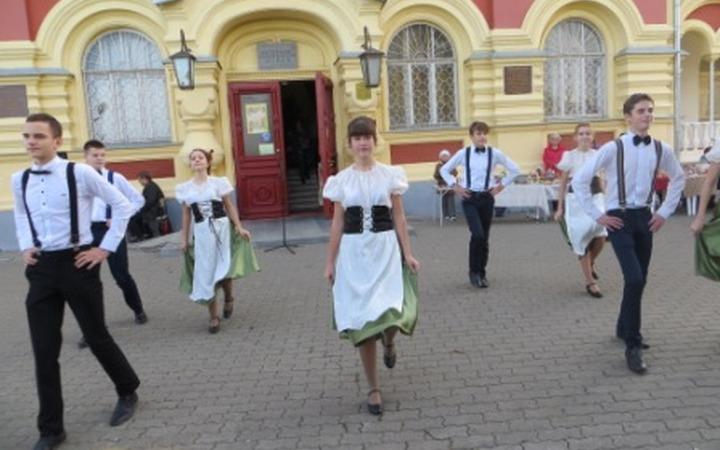 """Волгоградские немцы провели фестиваль """"250 лет на Волге"""""""