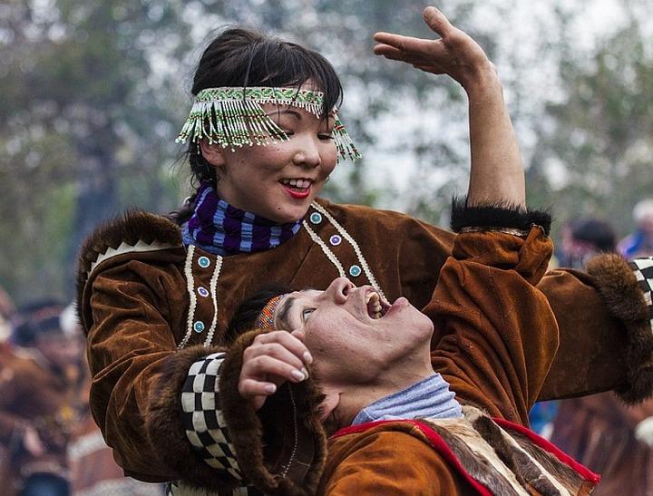 """На ительменском """"Алхалалалае"""" показали древний обряд раздевания невесты"""