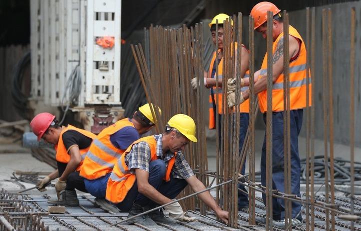 В Югре квоту на трудовых мигрантов сократили на 43,6%