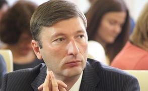 Главу Госкомнаца Крыма уволили после пикетов крымских татар