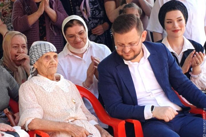 В Махачкале 101-летняя русская ветеран войны станцевала лезгинку