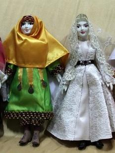 В Дагестане открылась выставка кукол в национальных костюмах